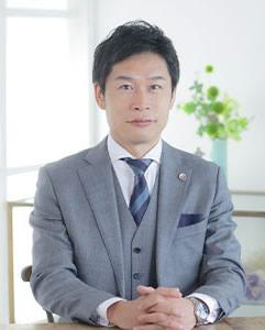 弁護士 小泉 友